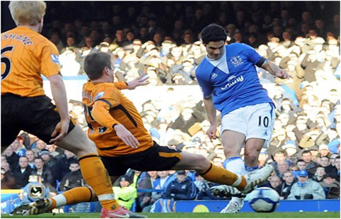 Mikel Arteta was on target in a 5-1 shlacking the last time Hull came to town in one of Phil Clown's final games as manager.